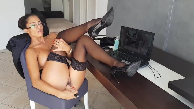 seksi video pornići larkin ljubavni blowjob
